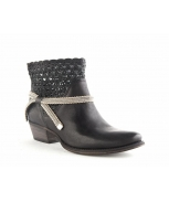MY34-Kelly-8273-Pando-Poli-Black_0